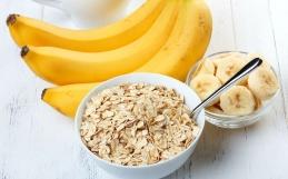 Por que você deveria consumir mais banana com aveia