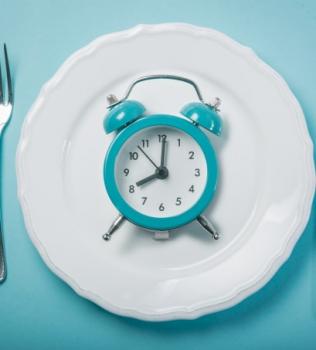 Estudo indica jejum intermitente como aliado da perda de gordura